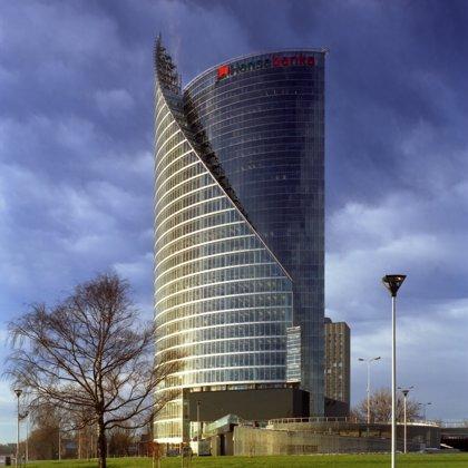 Swedbank administratīvā ēka